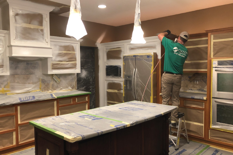 Priming kitchen cabinets with oil primer